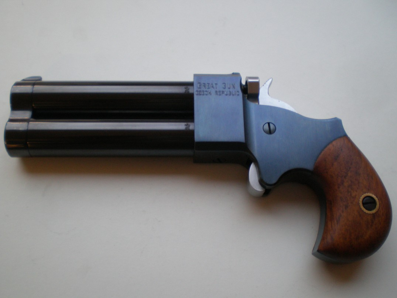Dimini 45 ve 3 palcích, hlavně černěné, tělo modřené, kohout+spoušť tvrdochrom